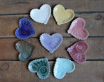Set of 5 Antique Lace Hearts, Valentines Day Present, Tea Bag Holder, Trinket Dish, Bridal Shower, Wedding Gift, party favor, IN STOCK