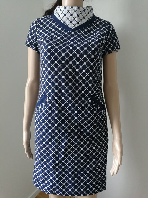 Vintage mod geometric blue white dot high neck Rona shift dress 1960's size S-M
