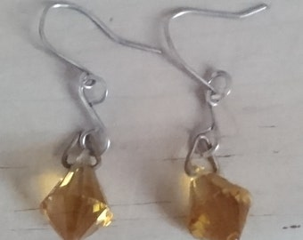 Vintage amber faceted glass drop earrings