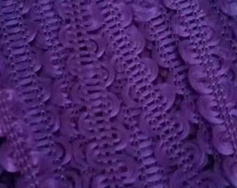 1 meter of SERPENTINE 8 mm wide purple RICKRACK trim