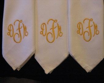 Dinner napkins 8 monogram, dinner party, table decor, personalized, elegant, timeless, reusable, Cotton poly blend