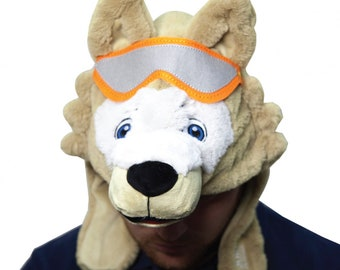 "FIFA 2018 toy wolf ""hitch"" cap"