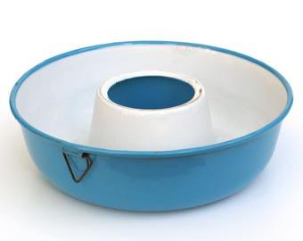 Danish Blue Enamelware Ring Mold, Blue and White, 1930's - 1940's, Madame Blue, Madam Blå Denmark, Glud Marstrand, Rustic Farmhouse Kitchen