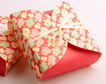 5 Sweet Fower Red Gift Boxes - Mini size (2.9 x 2.9 x 1in)
