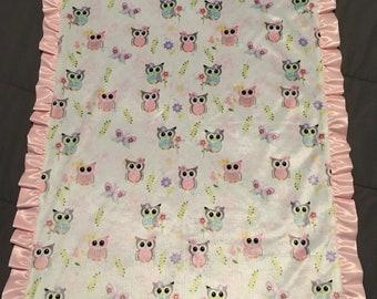 Owl minky blanket with satin ruffle