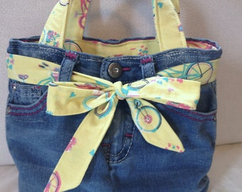 Upcycled Denim Jeans Lunch Bag/Lunch Tote/Insulated Cooler/Recessed Zipper/Bicycle Fabric