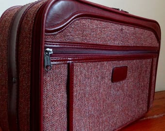 "Maroon Tweed ""Giordano Luggage"" Overnight Bag, Carry on Bag, Vintage Suitcase, Small Suitcase, Road Trip Suitcase, Travel Luggage"