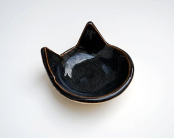 Black Cat Ring Dish  - Ceramic, Pottery - Tea Bag Rest, Jewelry Dish, Ring Holder, Cat Dish - Gifts for Pet Lovers - Dorm Room Decor