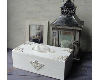 Tissue box Tissue box cover Kleenex holder Rectangular tissue holder Kleenex box Shabby chic Kleenex cover Wood tissue box Tissue box cover