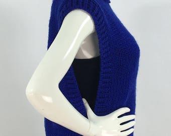 Vintage blue knit pull over vest