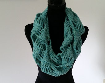 Infinity Cowl Scarf - Scarves for Women, Turquoise Scarf, Circle Scarf, Chunky Scarf, Crochet Scarf, Gift for her, Handmade Scarf