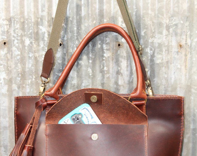 Leather Purse hand stitched with removable strap
