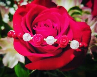 Rose and howlite beaded bracelet