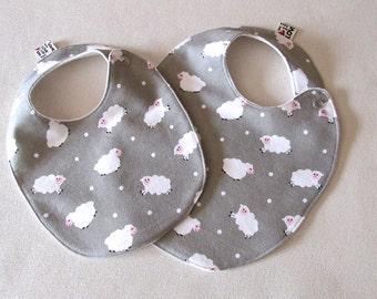 Adjustable BABY BIB in cotton flannel with snaps and cute lambs print, Baby shower favor, Newborn baby gift, new mom gift, Grey and White