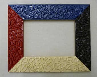 Frame made in Italy by Italian craftsman coloured and lacquered inside measures cm 13 x 18
