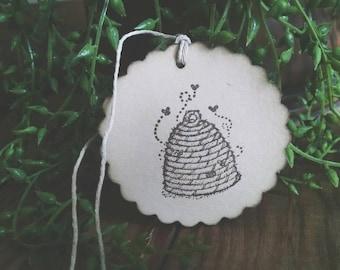 Beekeeper Gift Tags, beehive, bee skep, honeybee hive, set of 12 tags