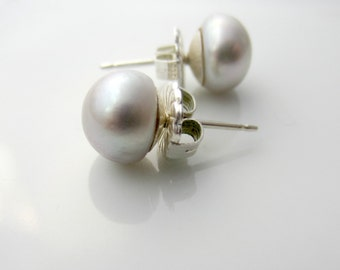 Silver Gray Pearl Studs, Freshwater Pearl Earrings, Light Gray Pearl Earrings, Birthstone Earrings, June Birthstone,Grey Pearl Stud Earrings