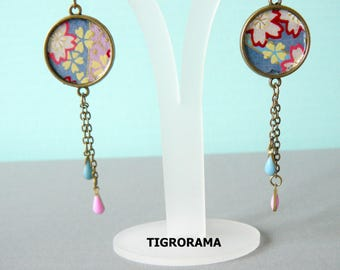 twin paper cabochon earrings Japanese multicolored and dangling flowers