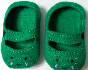 """Frog Mary Jane Shoes for 18"""" Dolls Also fits American Dolls"""