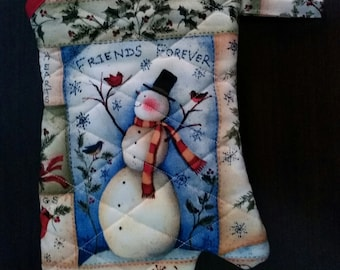 Friends forever oven mitt