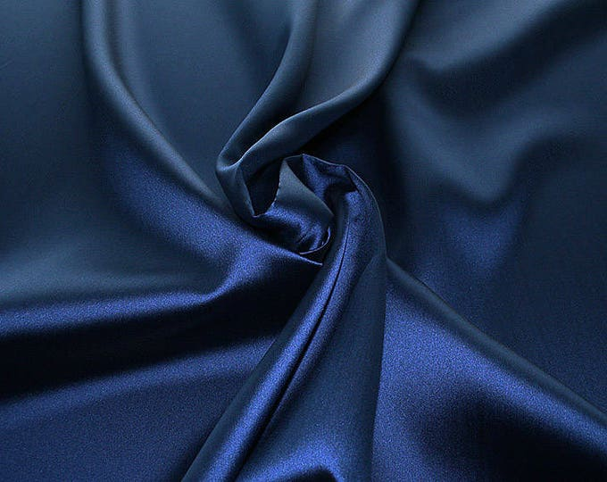 274047-Mikado-82% Polyester, 18 silk, 160 cm wide, made in Italy, dry cleaning, weight 160 gr, price 1 meter: 54.81 Euros