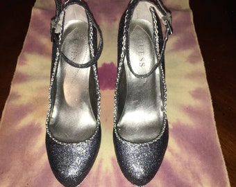 Customized Women's shoes size 7.5 preowned Guess co. Comic book heels repurposed