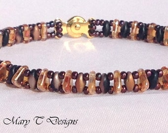 Black and Gold Beadwork Bracelet .. ebw team