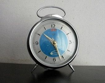 VINTAGE DIAMOND SPUTNIK era white Swallow animated alarm clock mechanical china