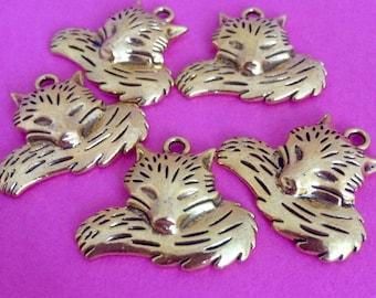 NEW 5 x chunky gold fox charm, pendant, sleeping fox, nature, cute, animal charms, lead free, woodland creature, woodland fox,large charm
