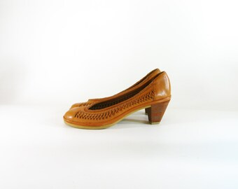 Vintage 1970s Qualicraft Woven Leather Pumps - size 6