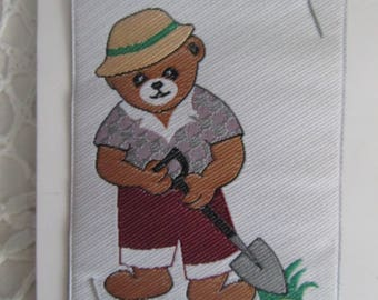 Pattern, sewing applique of a gardener bear