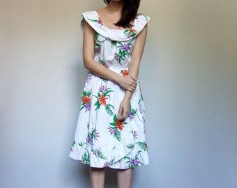 Tropical Print Dress Vintage 80s White Hawaiian Dress Summer Ruffle Floral Sundress - Medium to Large M L
