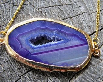 Agate Slice Necklace ~ Geode Charm Necklace ~ Geode Necklace ~ Slice Pendant Necklace ~ Agate Slice Jewelry ~ Quartz Charm Necklace ~ Purple