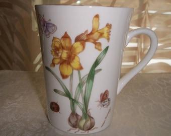 Royal Kendal Fine Bone China Made in England 1985, Flower designs cup/mug by Nanas Vintage Shop on Etsy