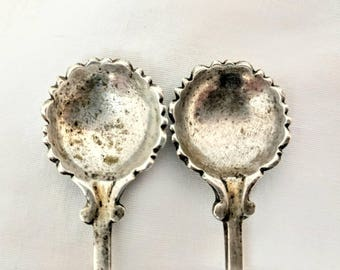 2 Vintage Sterling Silver Sea Shell Scroll Scalloped Open Salt Cellar Spoon Set 21.9g