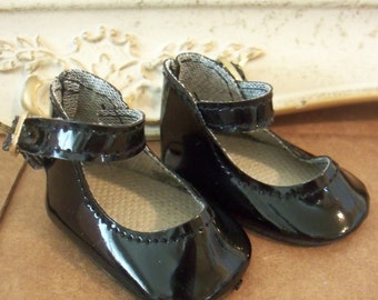 Vintage / Black Patent Leather Mary Jane Style Doll Shoes / One Pair