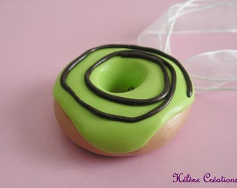 DELICIOUS APPLE GREEN SWIRL DONUT NECKLACE