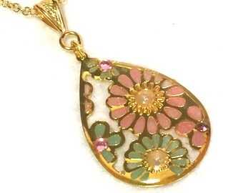 """Necklace """"antique flower - pale pink and green"""""""