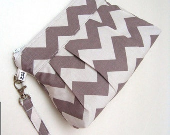 Bridesmaid Gift, Wedding Clutch, Chevron Wristlet, Gift Idea - Chevrons in Gray