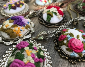 Hand Embroidered Necklace, Mothers Day Gift, Embroidered Flower Necklace, Floral Necklace, Gift for her, Bridesmaid gift, mini embroidery