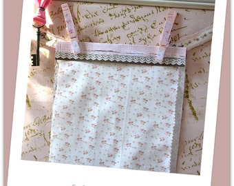Doll House fabric, Shabby Chic Pink Roses fat quarters