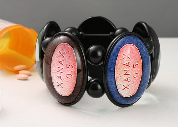 SALE Xanax Five-Cameo Stretch Bracelet