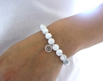 White Lotus Mala Bracelet, Serene Peaceful Enlightening Meditation Bracelet, Matte White Howlite Beaded Bracelet, Natural Howlite Bracelet