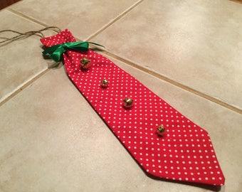 Red door knocker tie