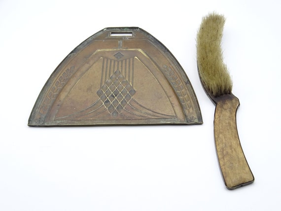 Brass Art Deco Table Brush and Pan Set Brass Table Sweep Chic Dining Art Deco Dinner Setting 1920s Style Dinner  sc 1 st  Etsy & Brass Art Deco Table Brush and Pan Set Brass Table Sweep