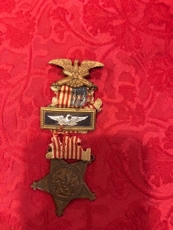 FREE SHIPPING-Grand Army Of The Republic Medal