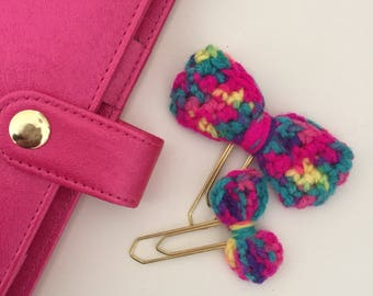 Crocheted bow paperclip set