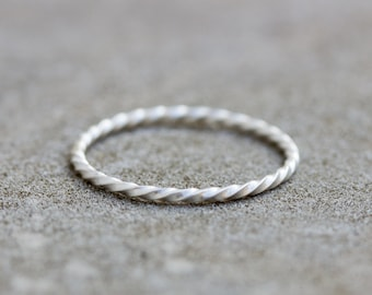 White Twist - sterling silver stackable ring