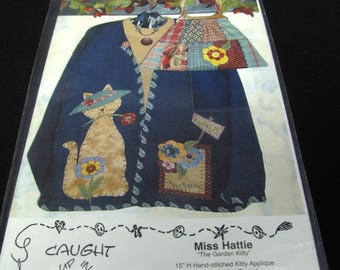 Vintage Cat Applique Sweatshirt Jacket Patchwork Purse Pattern Uncut Caught Up In Stitches Miss Hattie Garden Gifts For Kitty Cat Lovers