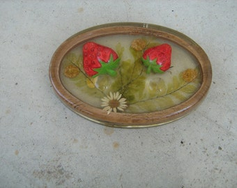 vintage gamut designs strawberry paper weight